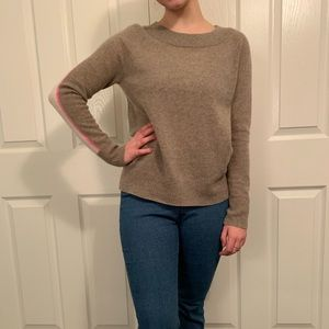 CUTE COMFY SWEATER! SIZE SMALL